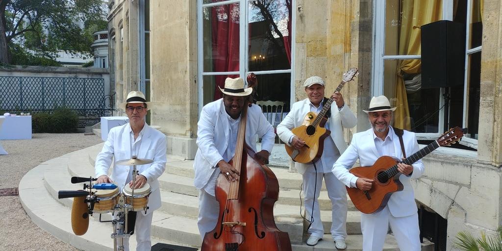 Groupe latino mariage en quartet